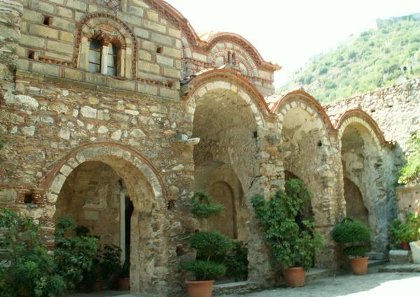 Уникальные храмы Мистры в Греции