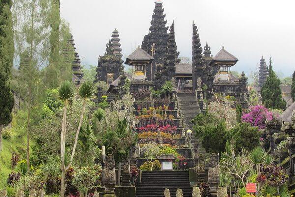 Храмы Индонезии - Пура Бесаких