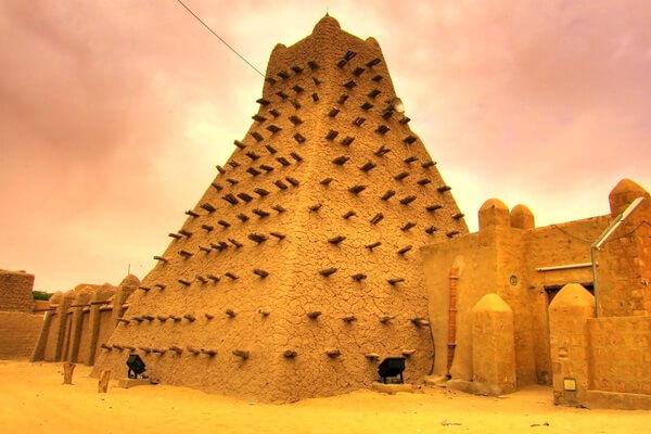 Уникальные мечети Томбукту в Африке