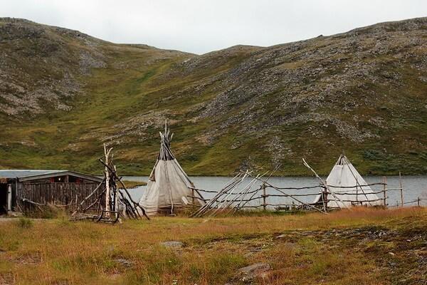 Традиционные жилища саамов