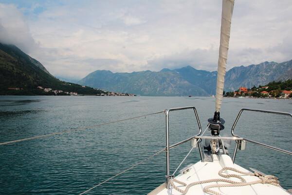 Привлекательность прогулок на яхте