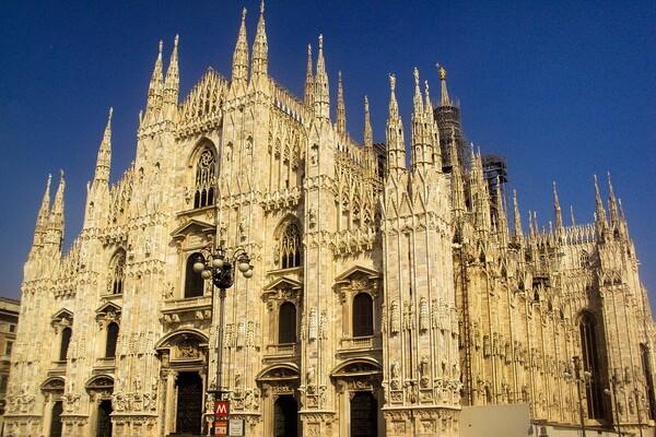 Милан - точка старта для путешествия по известным озёрам Италии