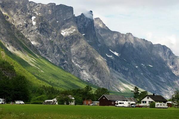 Фото Стены Троллей в Норвегии