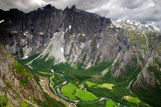Стена Троллей в Норвегии
