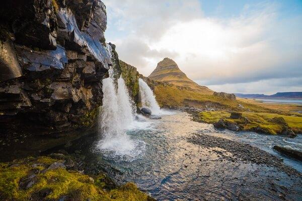 Красивейшие водопады Исландии с фото и описанием - Киркьюфетльсфосс