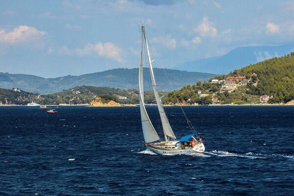 Лучшие маршруты для яхтинга в Греции под парусами