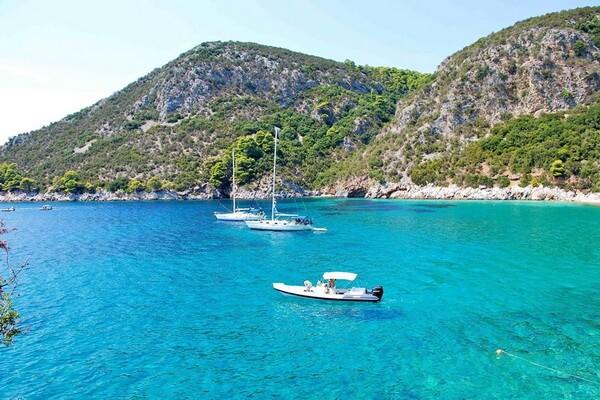 Яхтинг в Греции по Сароническому заливу - Остров Ангистри