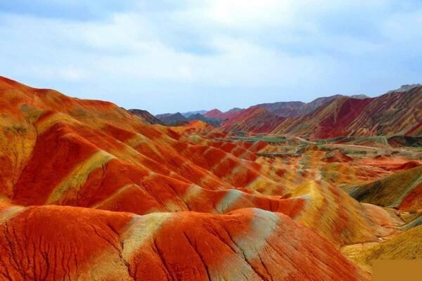 Цветные горы Данься в Китае - красивые фото
